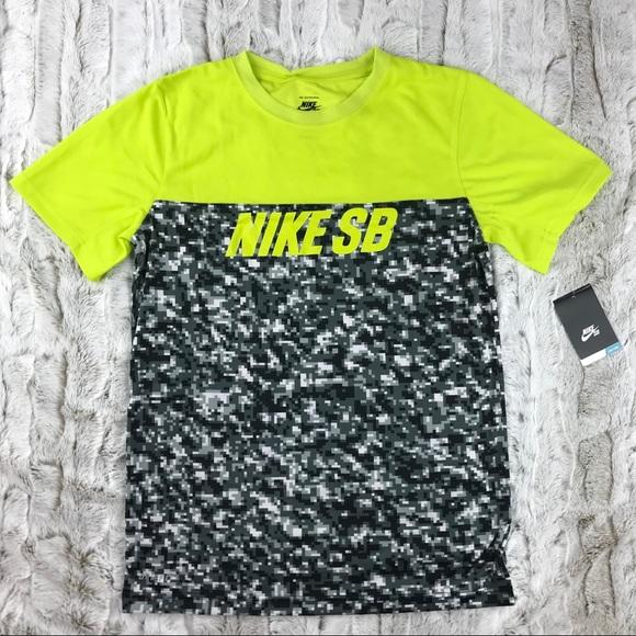 8954ef79f [Nike] SB Skateboarding Dri-Fit Pixel Camo Tee XL NWT